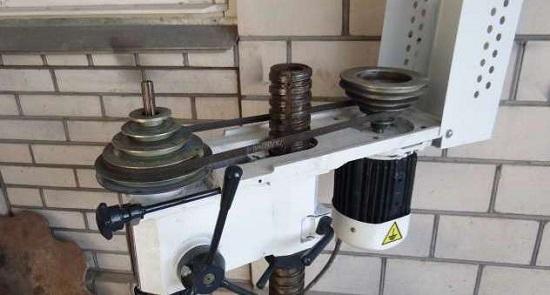 Механизм регулировки передачи оборотов двигателя