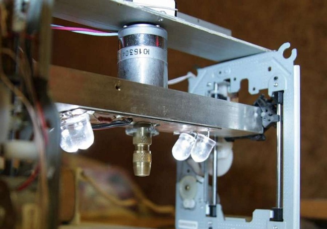 Самодельный сверлильный станок со стабилизационной рамкой