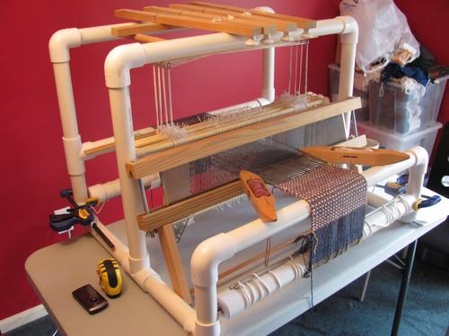 Самодельный ткацкий станок из пластиковых труб