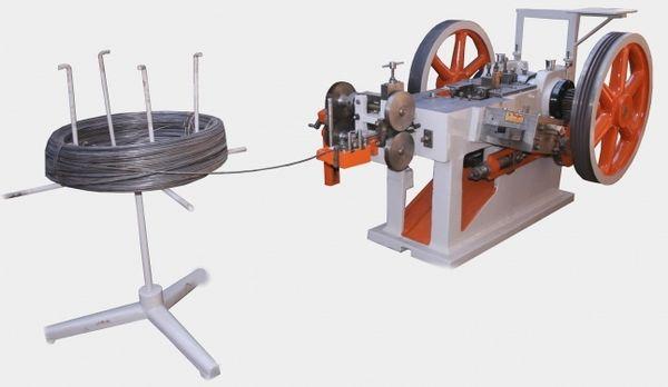 Автоматический станок для производства гвоздей в небольшом цеху