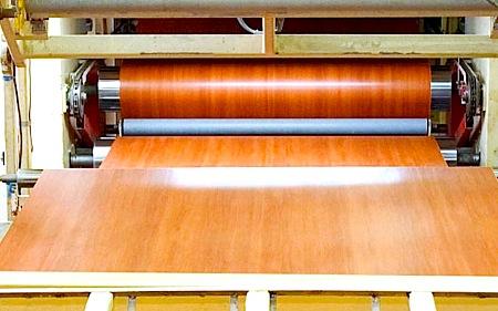 Ламинирование плиты ДСП на станке