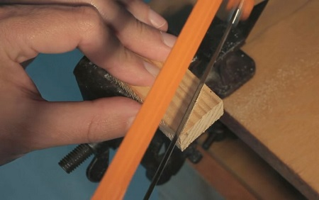 Спиливание верхней части рейки под углом