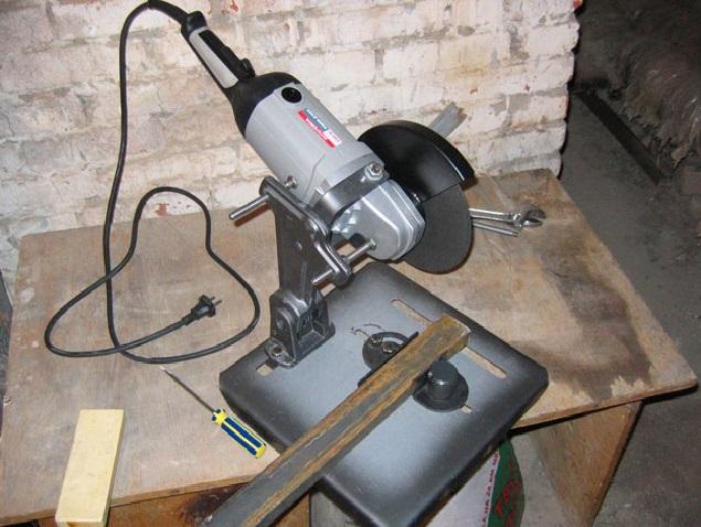 Самодельный станок можно применять для резки небольших металлических изделий