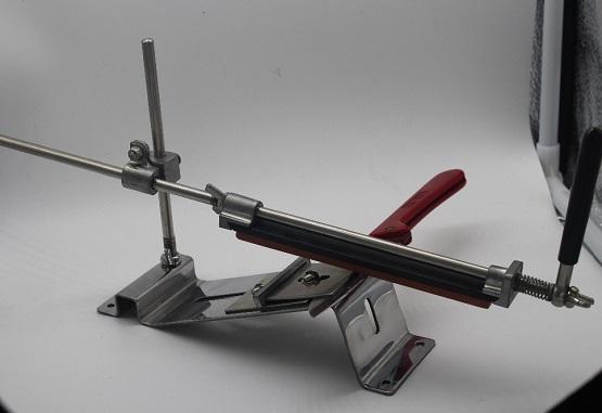 Механический станок для заточки ножей