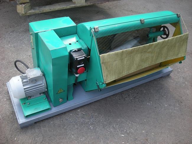 Небольшие габариты станка позволяют устанавливать его в небольших мастерских