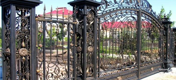 Ворота, сделанные с применением технологии ажурной ковки