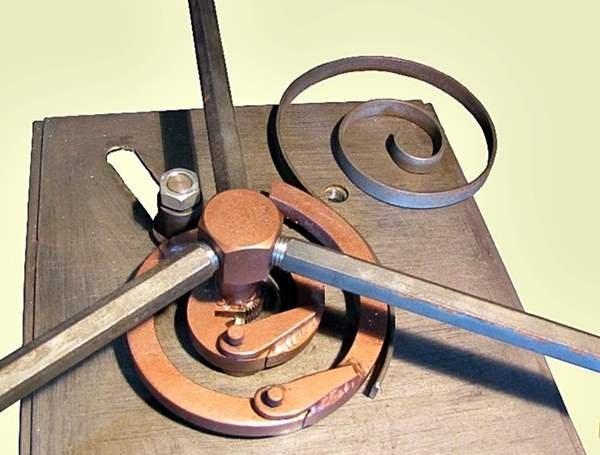 Шаблонный трубогиб для гибки деталей по шаблону