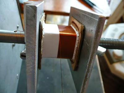 Приемная катушка, на которую происходит намотка слоев